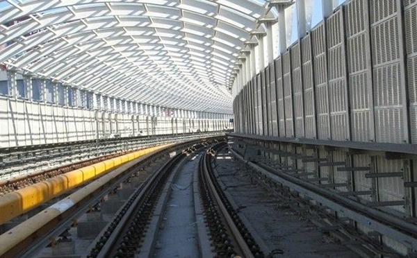 高铁钢立柱